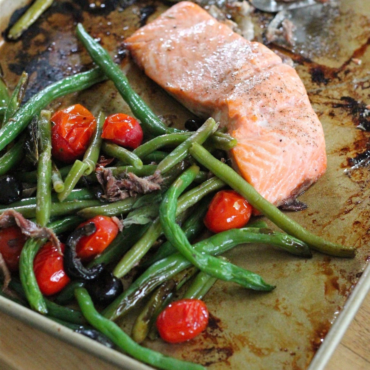 Tray Baked Salmon with Green beans and tomatoes