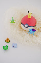 Poké Ball Bath Bomb with Toy - Essential bath time