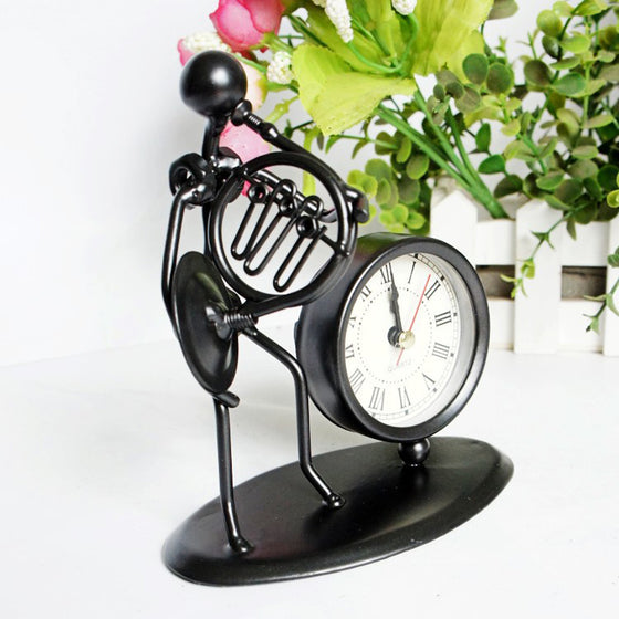 French horn Artificial Metal Craft  Roman Number Desk Clock V1