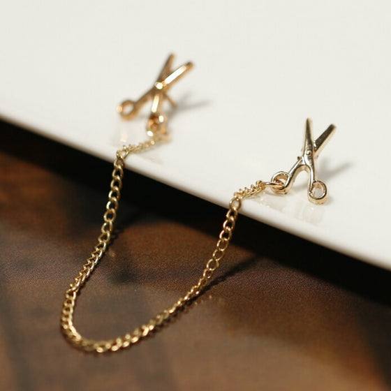 Hairdresser Gold Color Chain Scissors Brooch H1