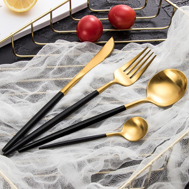 Gold toned stainless steel cutlery set for fine dining