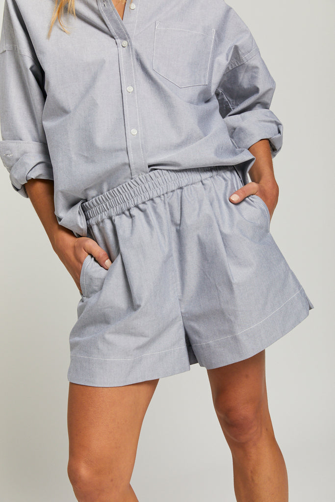 The Oxford Chiara short - Light Grey