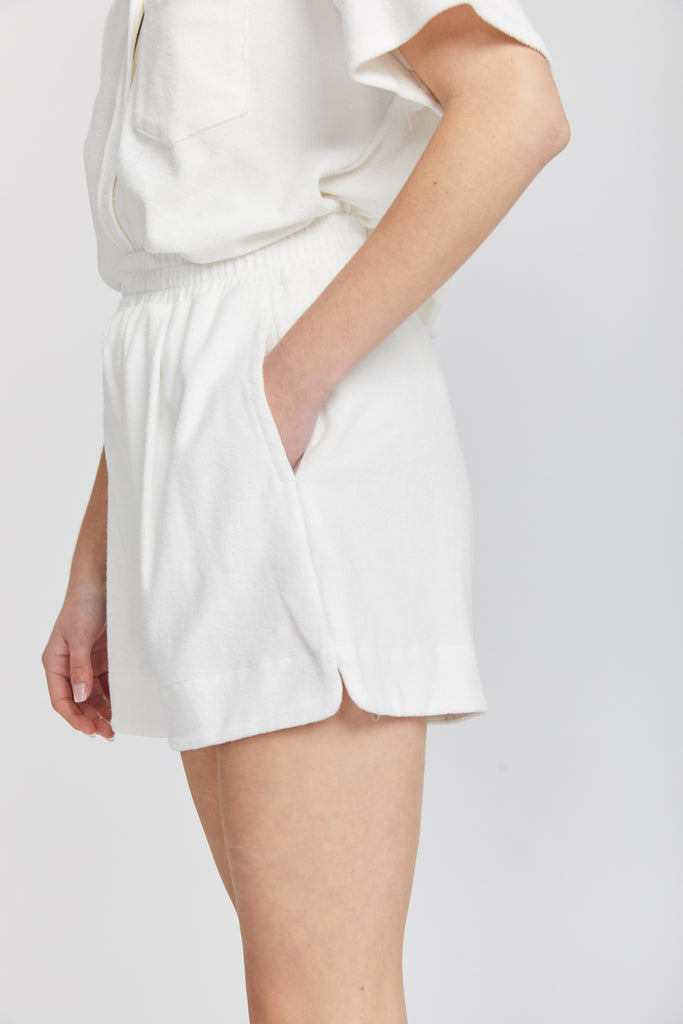 OnCourt Shorts | White