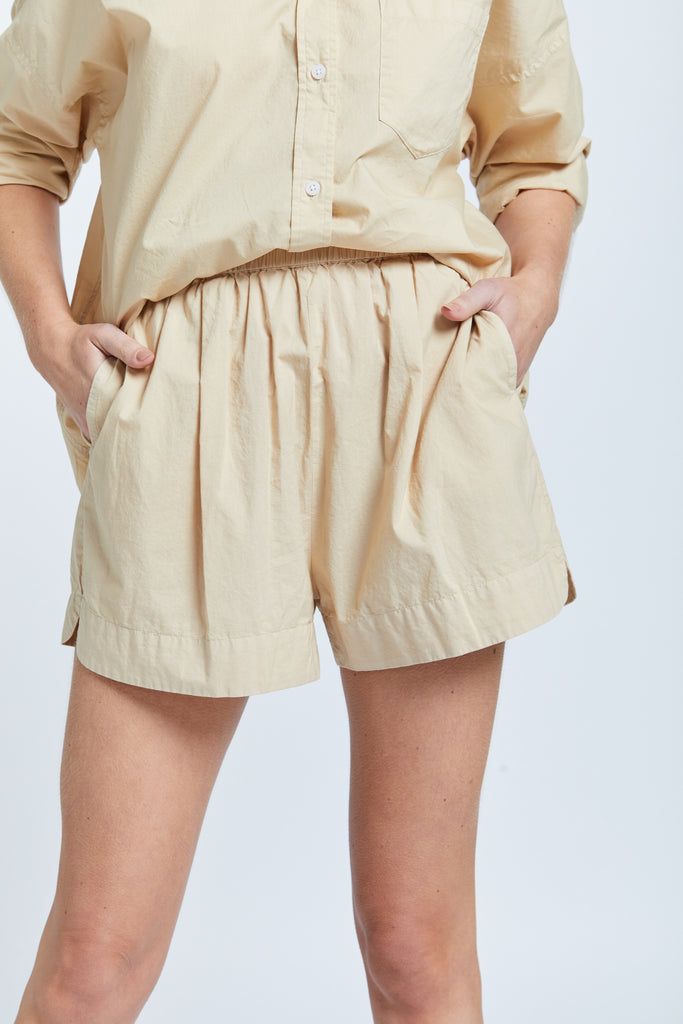 The Chiara Short - Caramel