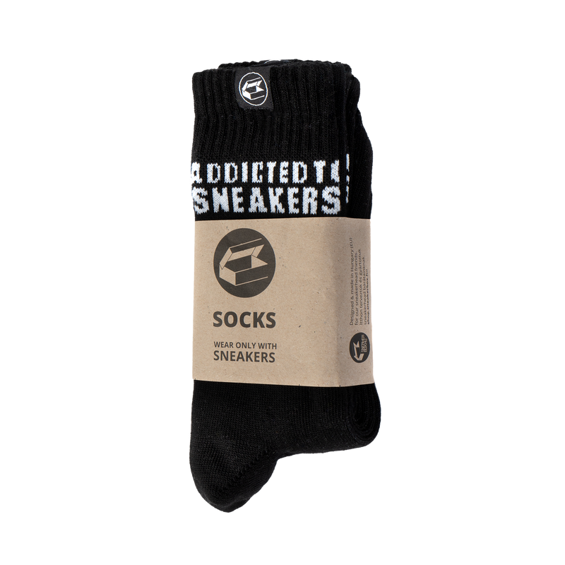 Sneakerbox 'Addicted to Sneakers' crew zokni fekete