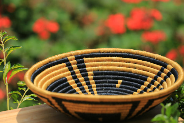 Kabaka African Wall Basket, Rwanda baskets, African Woven basket. Black, Brown