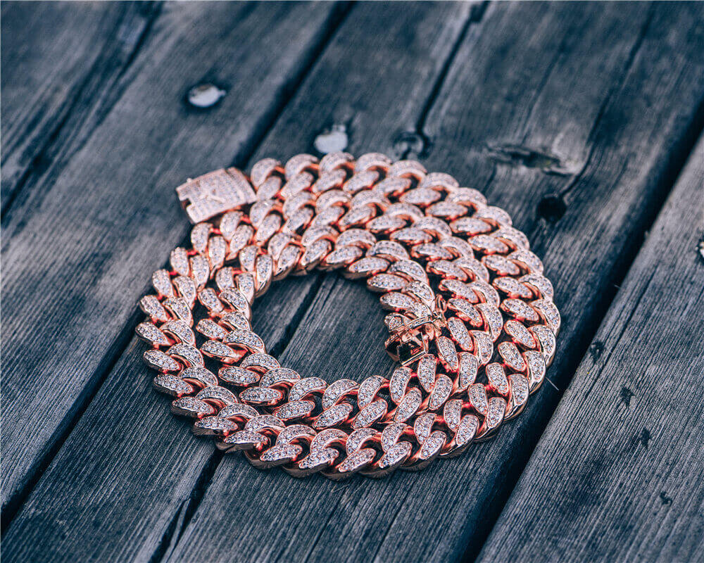 Aporro-iced out cuban chain jewelry