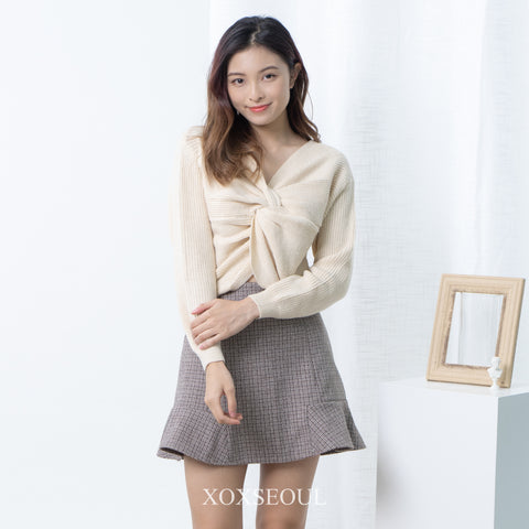 Twist My Heart Knit Top (2 Colors) (Wool 10%)