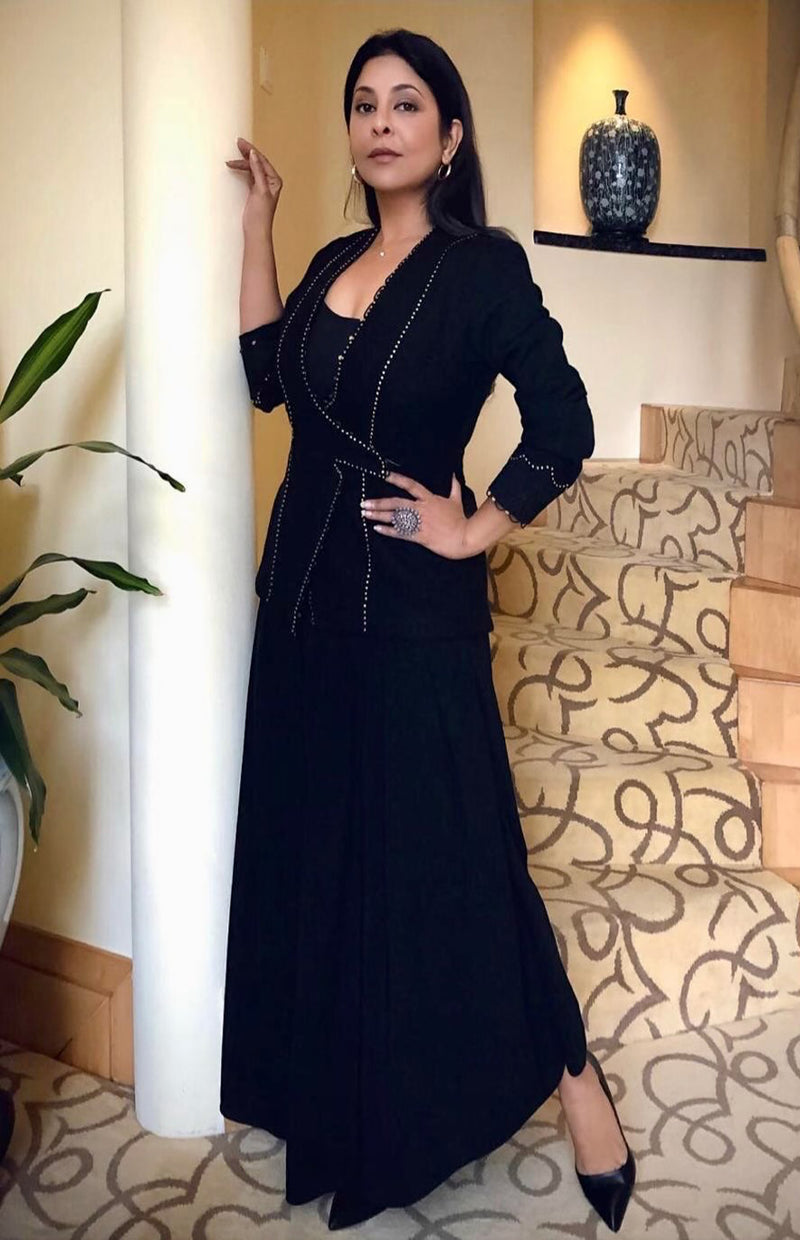 Shefali Shah Wearing Evergreen Black & Gold Fancy Jacket