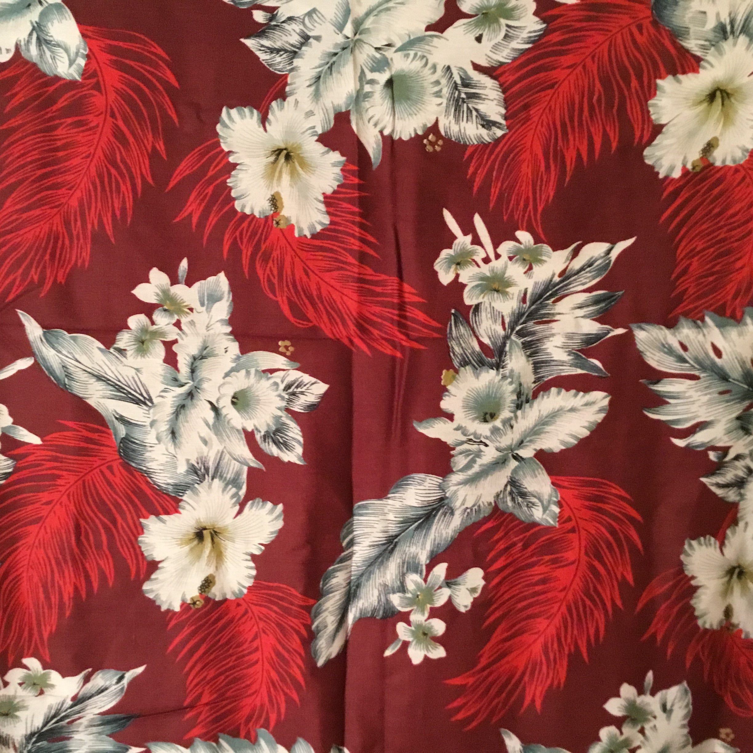 RED FLOWER & FEATHER - SARONG WITH BUCKLE