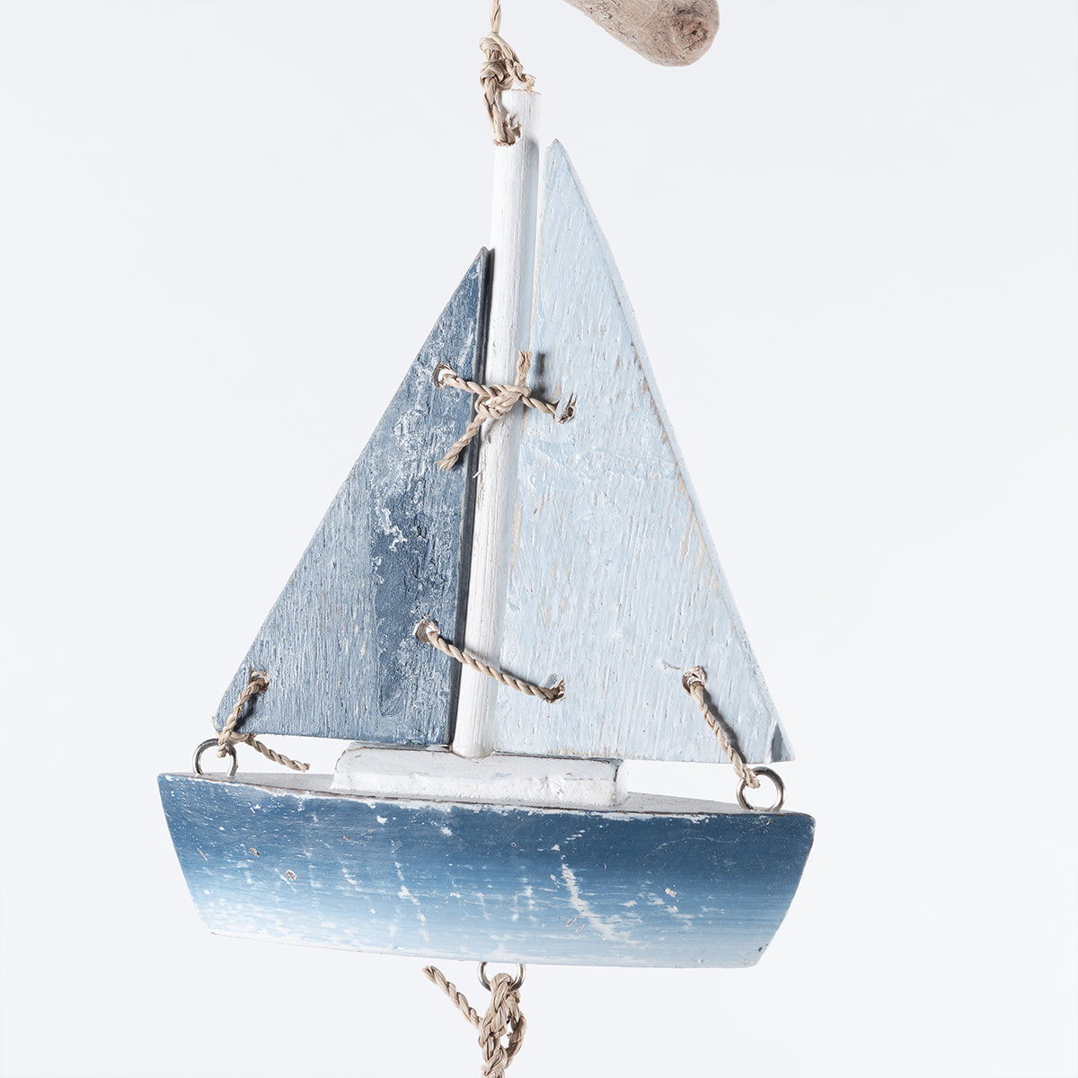 1.30MT HANGING BLUE BOAT WITH D/W