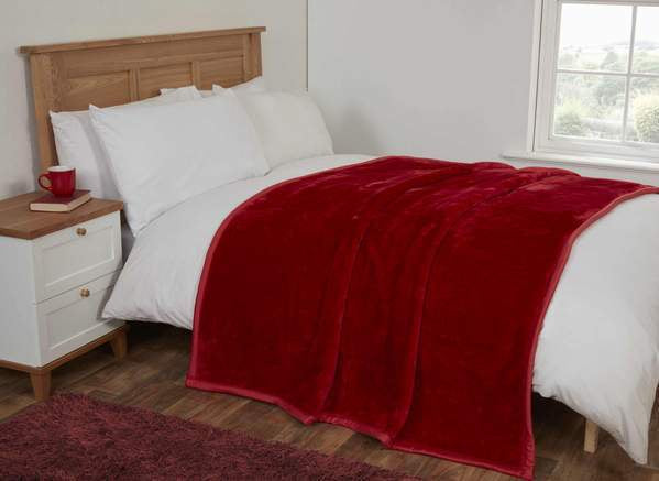 FAUX FUR BLANKET RED 150X200CMS