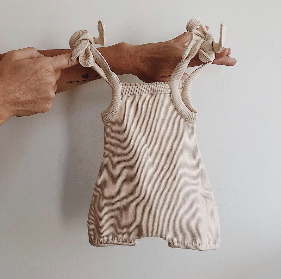 ribbed shoulder tie bubble romper - oat