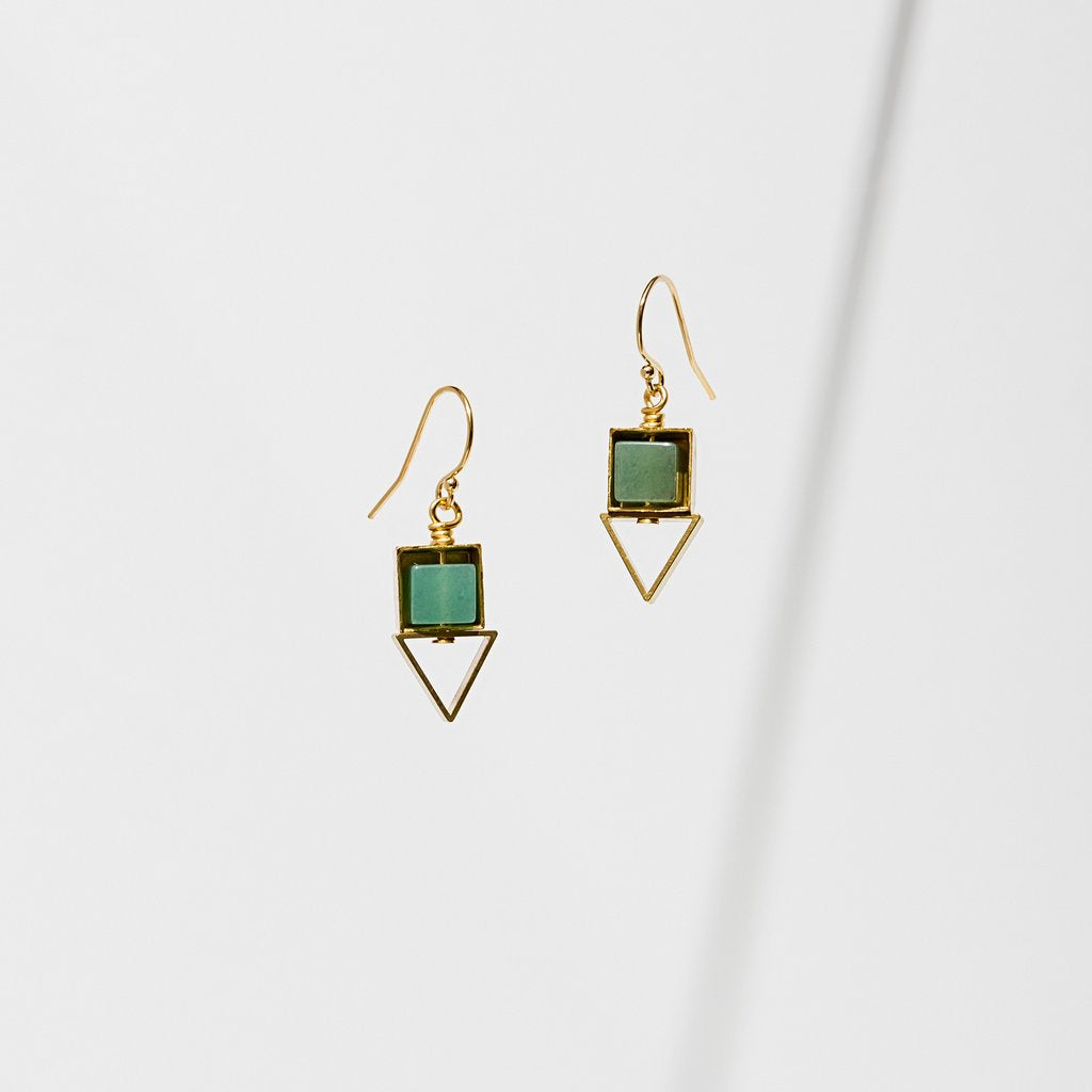 pique earrings in green aventurine