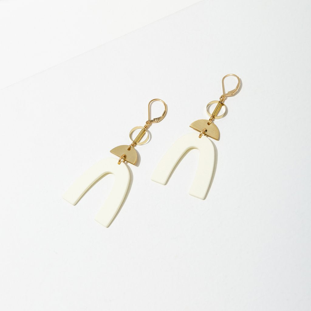 cass earrings in cream