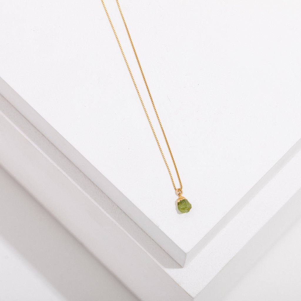 birthstone necklace - august - peridot