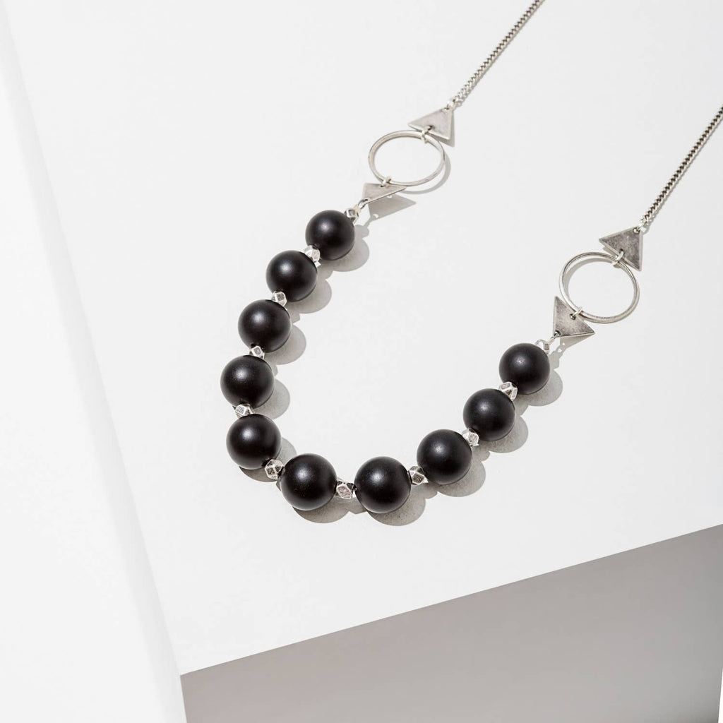 shapeshifter necklace in onyx - silver finish