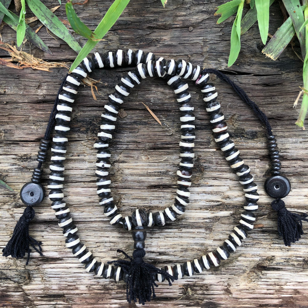 Bone Black & White Mala
