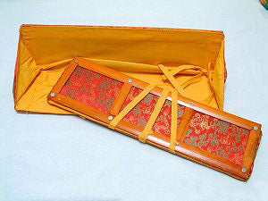 "pecha holder, bamboo frame w/brocade - 12"" X 5"""