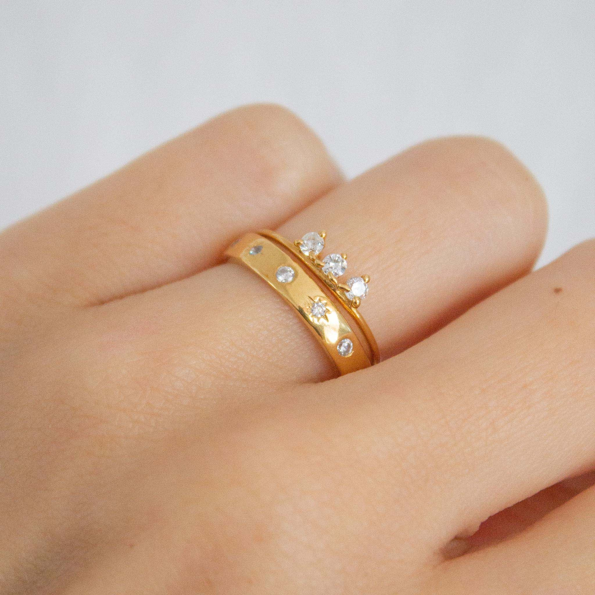 3 ways to stack your rings