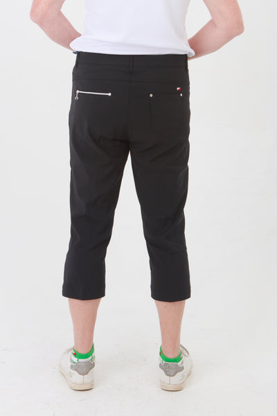Black Ladies Golfing Capri trousers are perfect for your ladies golfing wardrobe.    Matched with the JRB Ladies Golf shirts in various stunning designs and you will look amazing when out playing on the golf course.  When searching for golf clothes for women, these black capri trouser are so popular especially for teams.