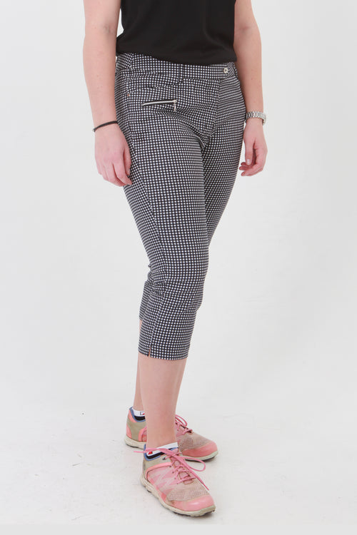 There is no doubt about it, gingham is the fashion fabric for the ladies golf season. Gingham Ladies Golfing Capri trousers are perfect for your ladies golfing wardrobe.    Matched with the JRB Ladies Golf shirts in various stunning designs and you will look amazing when out playing on the golf course.