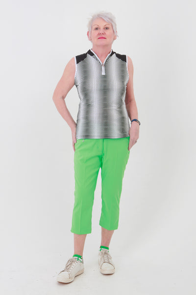 This zip necked ladies golf sleeveless polo feels silky to wear. It has a subtle spot pattern that will give you lady golfers a stylish fashion statement and impress your fellow lady golfers.  There are a number of lady golf polo shirts in the new JRB Ladies Golf range.  Sleeveless and Short Sleeved ladies golf shirts.