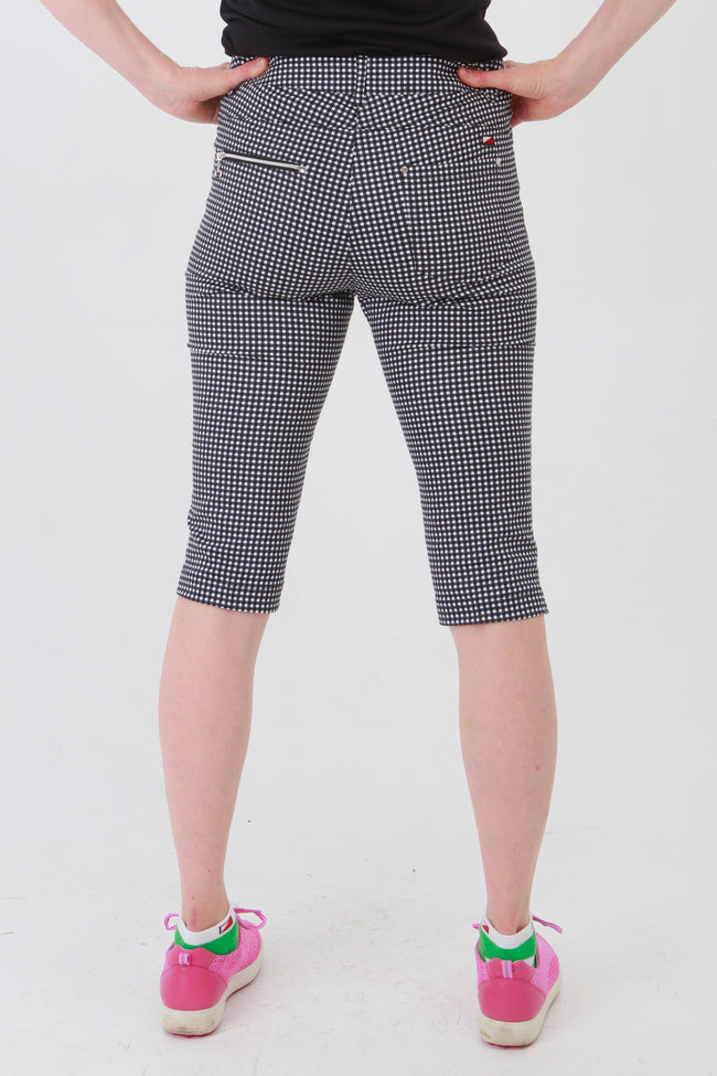 If you are looking for golf clothes for women then look at these fashionable, stylish black gingham ladies golf shorts.  Great matched with the JRB Ladies Golf shirts in various stunning designs and you will look amazing when out playing your Daily Sports.