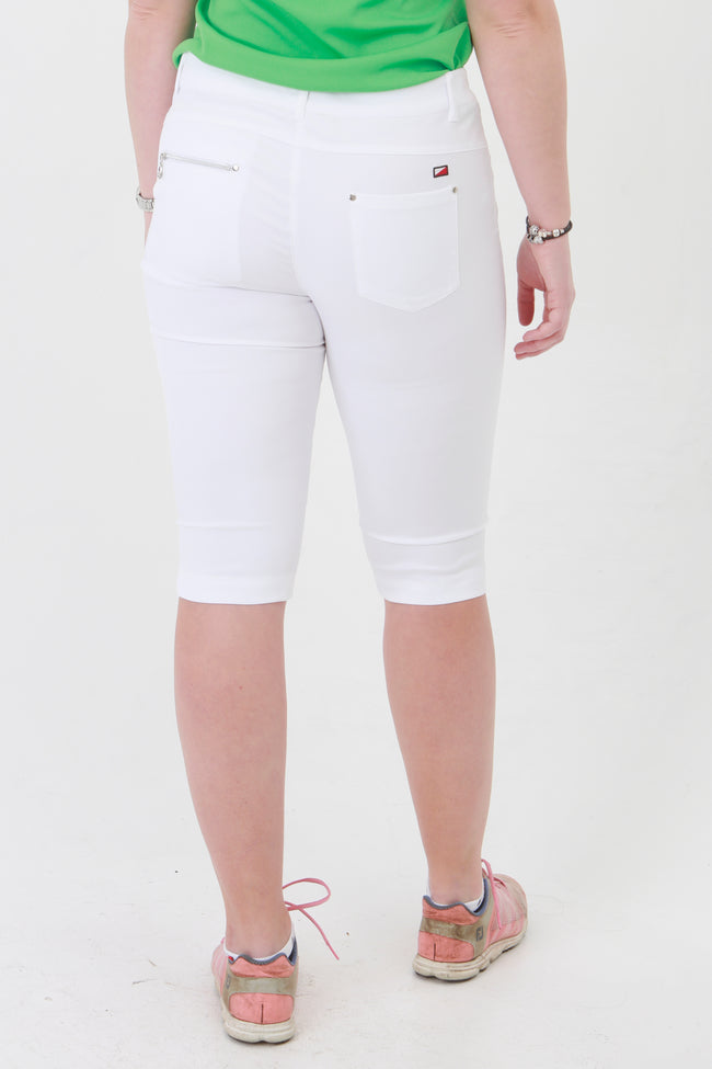 White Ladies golf Shorts are perfect for your ladies golfing wardrobe.  If you are looking for ladies golf clothing then look at these fashionable, white ladies golf shorts. Matched with the JRB Ladies Golf shirts in various stunning designs and you will look amazing when out playing your Daily Sports.