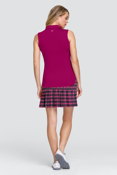 Tail Ana skort - Gem Grid Ladies golf skort for the summer are a prerequisite. We love this outfit that will be a bit hit for all lady golfers who love quality ladies golf clothing and at the same time like a ladies golf clothing sale for some end of season ladies golf outfits. We have ladies golf polo shirts and ladies golf skorts.