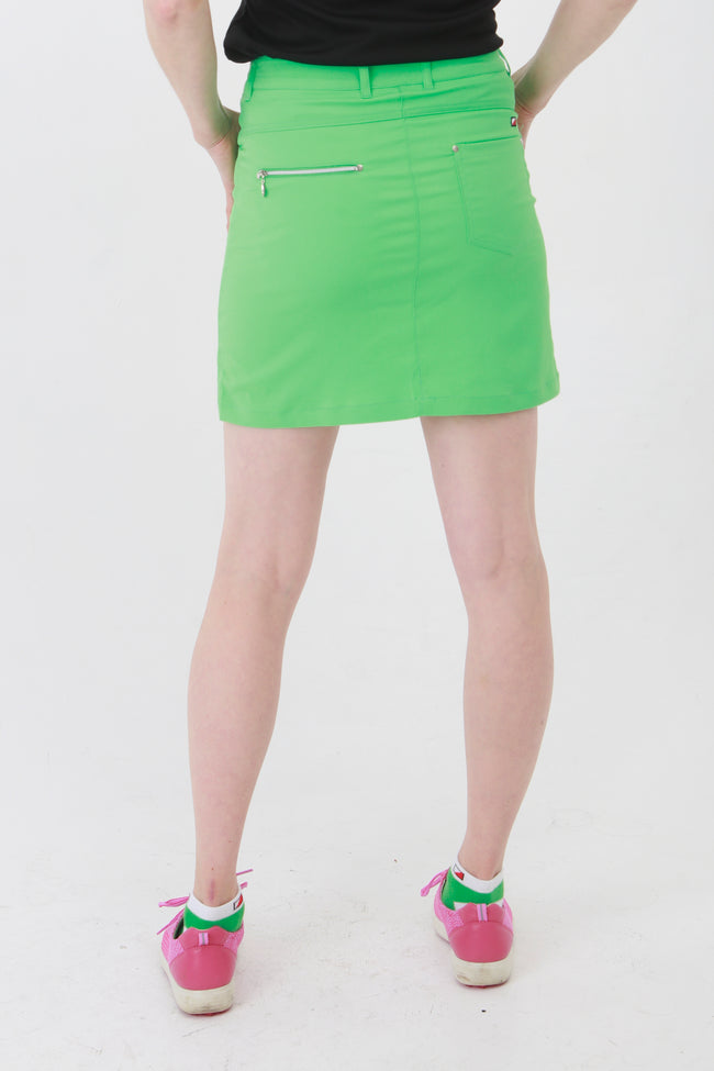 The Green collection is a winner for lady golfers around the world.  This golfing skirt is similar to a golfing skort but has comfortable inbuilt pants. With the plain pique lady golfer polo tops you will be ready to hit the catwalks as well as the golf courses. Women golfers will love this for their daily sports.