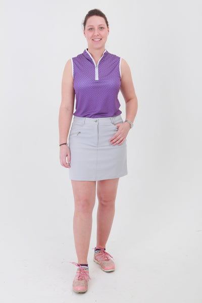 This light grey golfing skirt is similar to a golfing skort but has comfortable inbuilt pants.  Lady golfers need a classic piece to match their golfing shirts that are a little more detailed in design.  Women golfers will love this for their daily sports.
