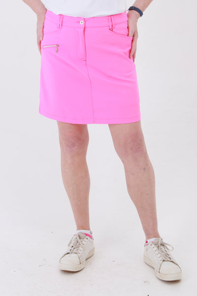 The pink collection is a winner for lady golfers around the world.  This golfing skirt is similar to a golfing skort but has comfortable inbuilt pants. With the plain pique lady golfer polo tops you will be ready to hit the catwalks as well as the golf courses. Women golfers will love this for their daily sports.