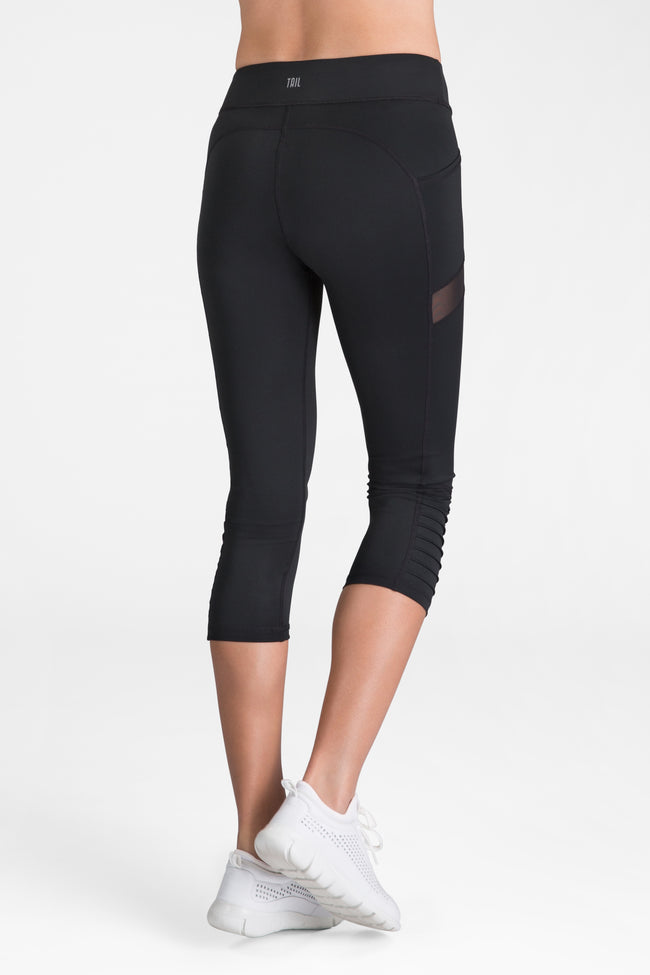 Tail Sue Cropped Leggings - Black