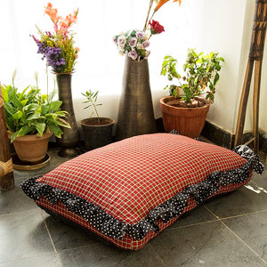 Dog Bed in High-Quality Cotton Cover and Water-Resistant Cushion - Check-Mate