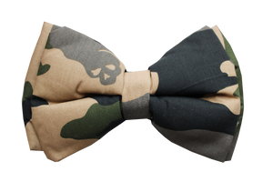Lana Paws dog bow tie in camouflage