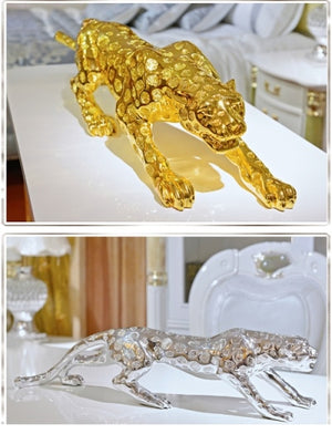 Statuette The Roaring Golden Panther