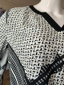 Fransa Patterned V Neck Blouse