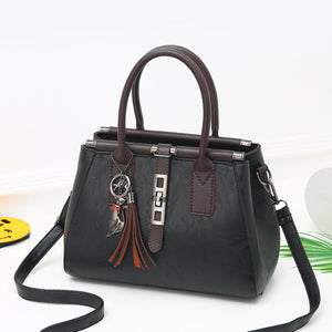Women Luxury Design Tassel Lock Chains Messenger Bags - OrganicShiny