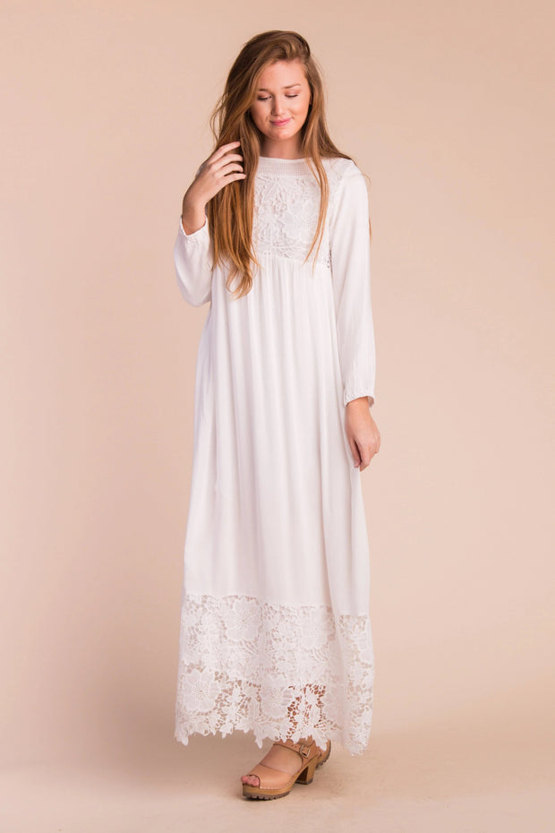 Heritage Lace Trim Maxi WOMEN'S DRESS Called to Surf WHITE L