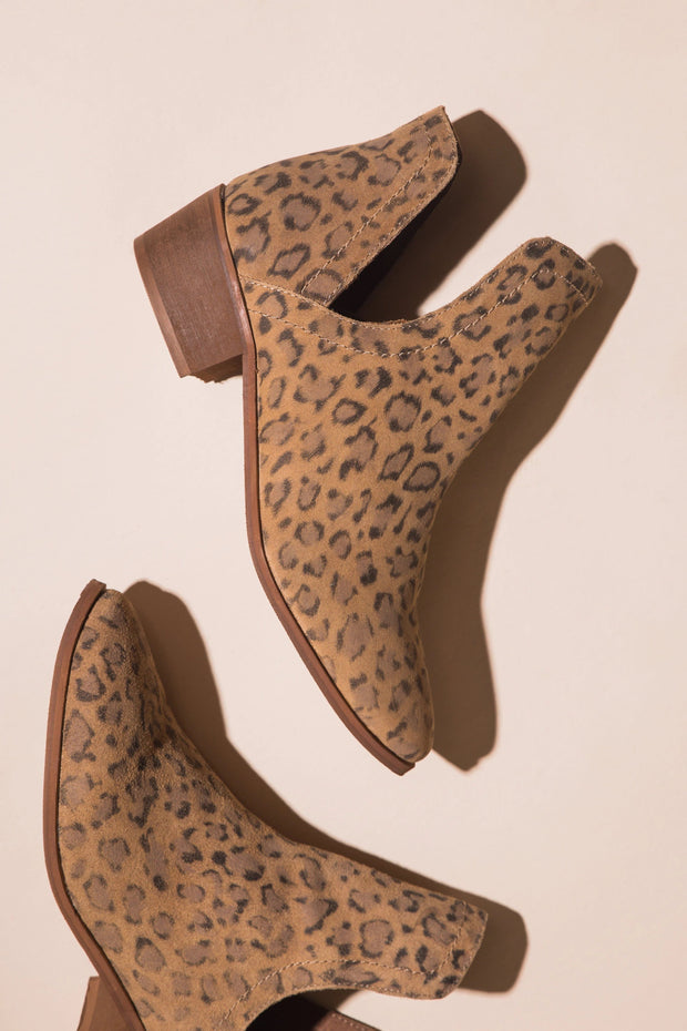 Pronto Heeled Bootie Variable Called to Surf 6 Panther