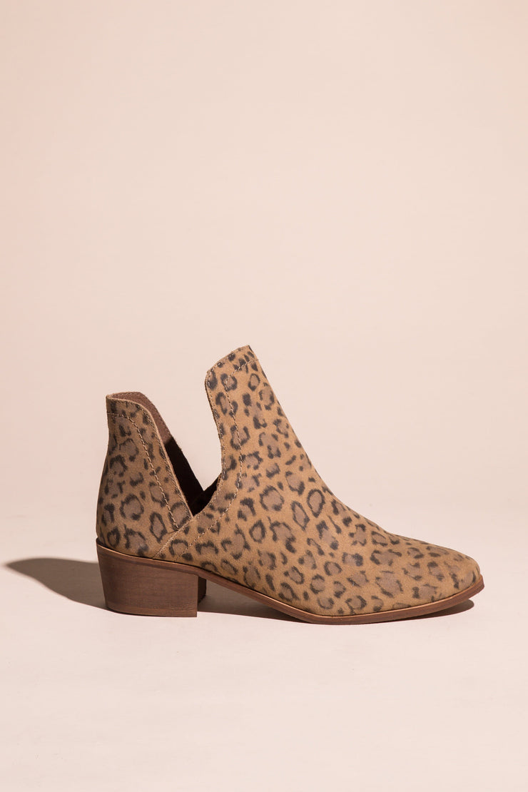 Pronto Heeled Bootie Variable Called to Surf