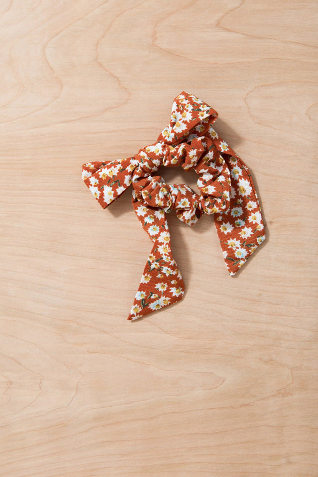 Up and Away Hair Scrunchie Variable Called to Surf One Size Rust