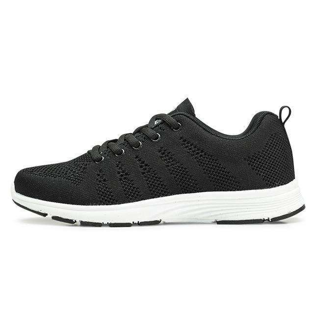 The Geess Black  Women and Men / 11 Women`s Fitness Shoes