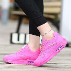 The Geess Women`s Running Shoes from Size 5