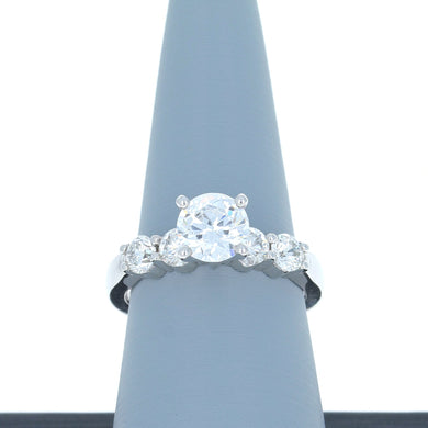 A Jaffe Diamond Engagement Ring in White Gold ME1083/80