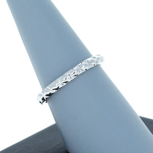 A Jaffe Wedding Band in 14K White Gold MR2058/pl