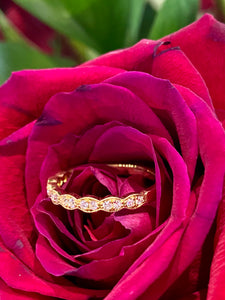 Hearts on Fire Lorelei Floral Diamond Band in 18K Yellow Gold