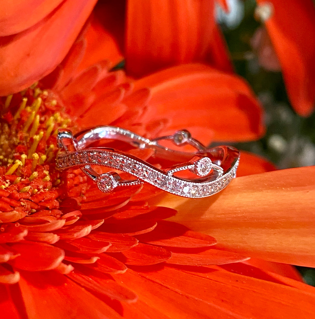 Simon G Diamond Band in 18K White Gold NR517
