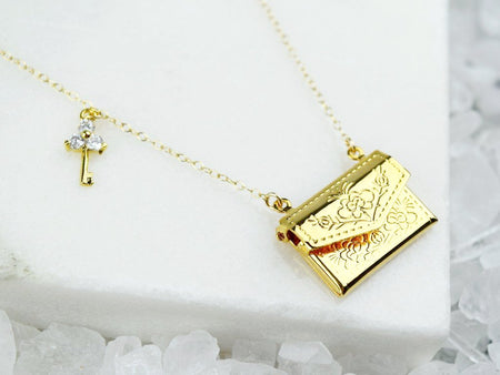 Sovereign Necklace